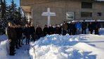 Svetom misom na Širokovcu i paljenjem svijeća i molitvom na groblju spaljenih obilježena 75. godišnjica tragedije na Lugu